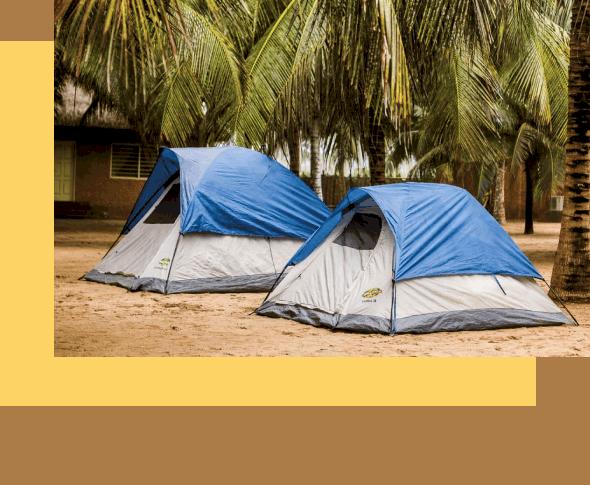 backpackers-verblijven-in-tenten