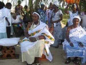 vrouw in Ghana in het dorp